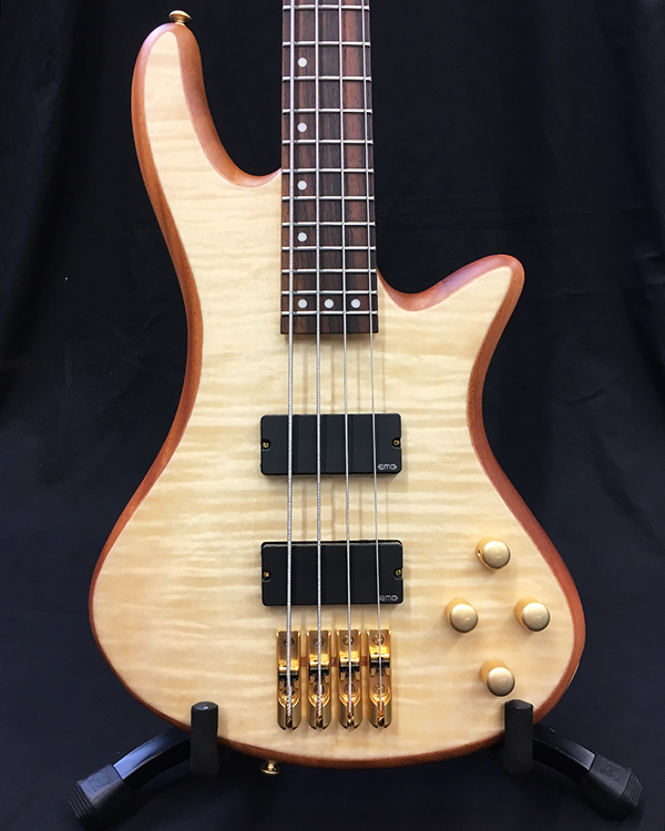 STILLETO CUSTOM-4: Schecter Bass